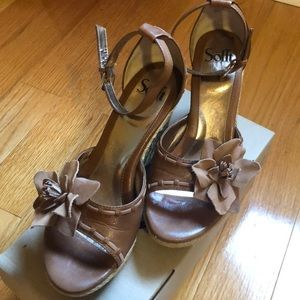 EUC Sofft Wedge Sandals